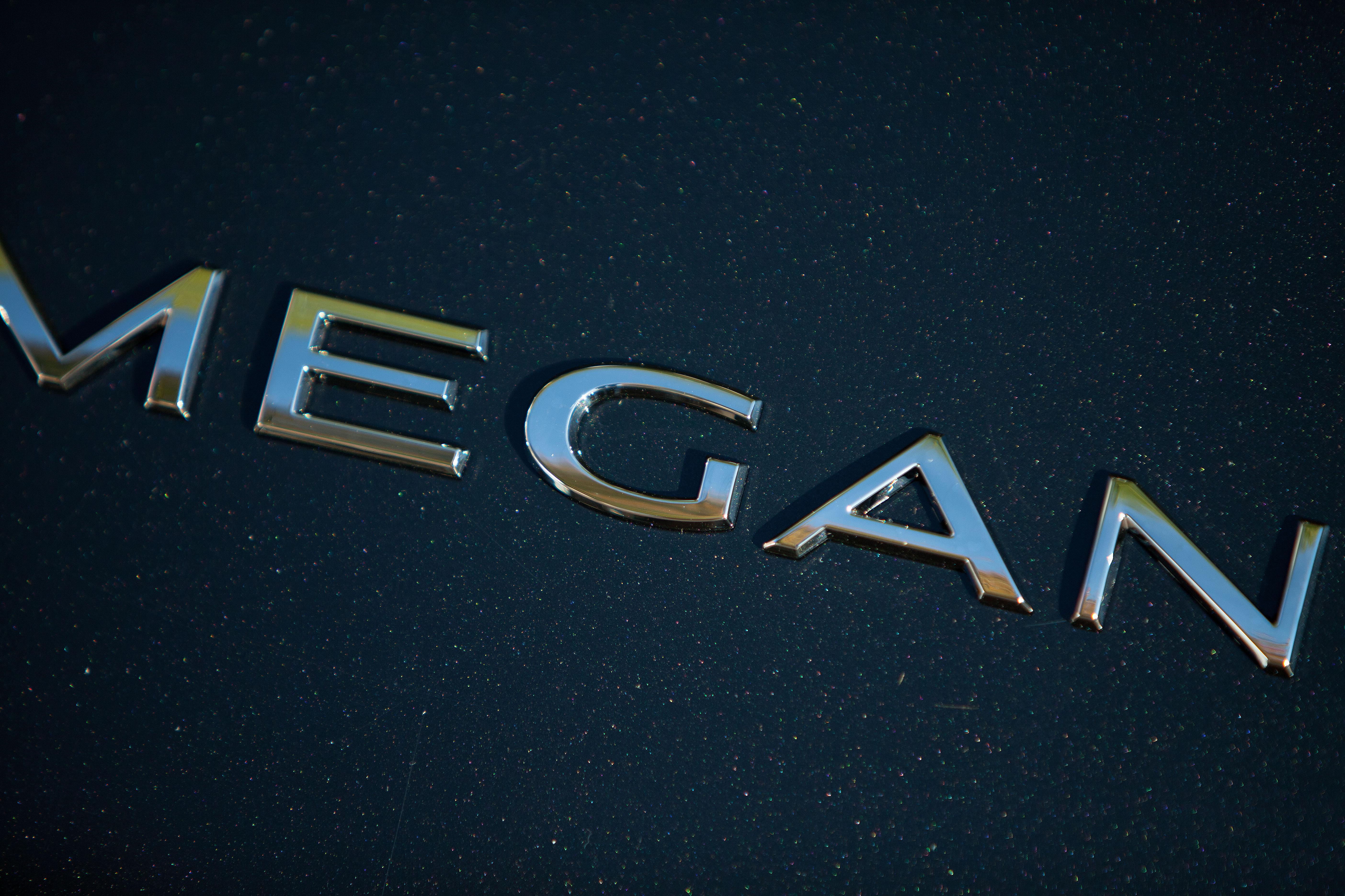 renault-carname-megane-closeup-1