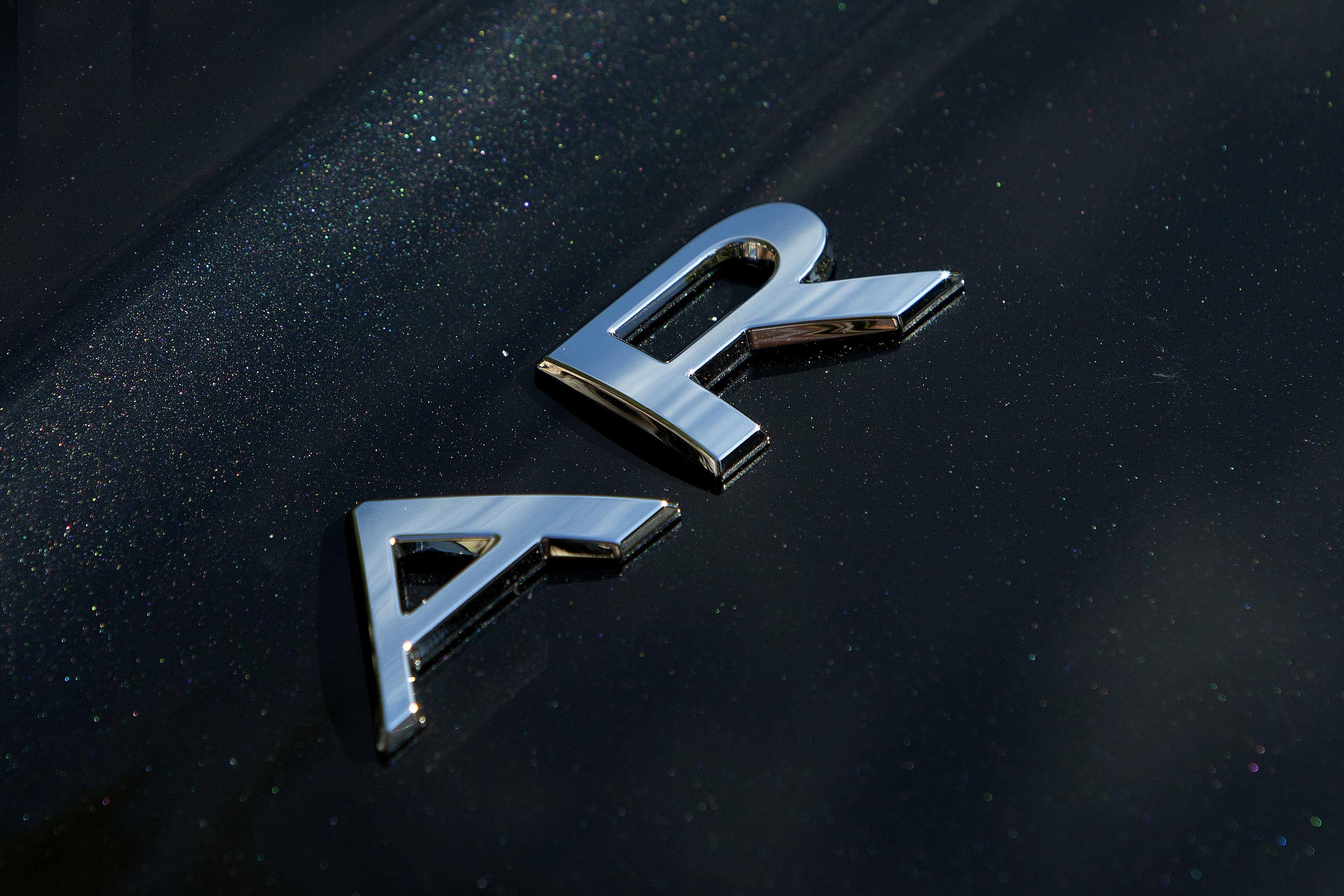 renault-carname-AR-angle-3
