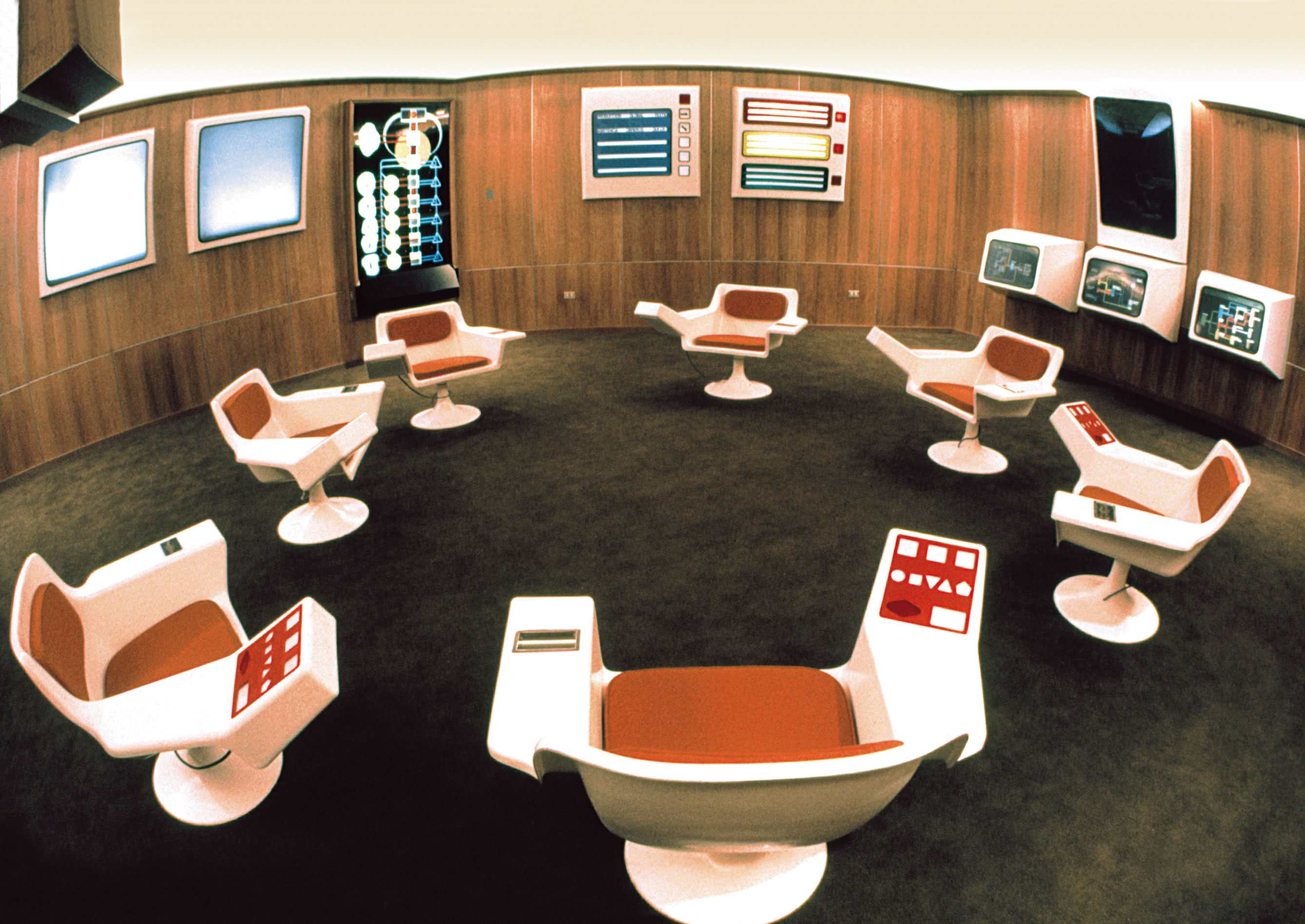 Chile: The Cybersyn Operations Room – historic picture. © Gui Bonsiepe