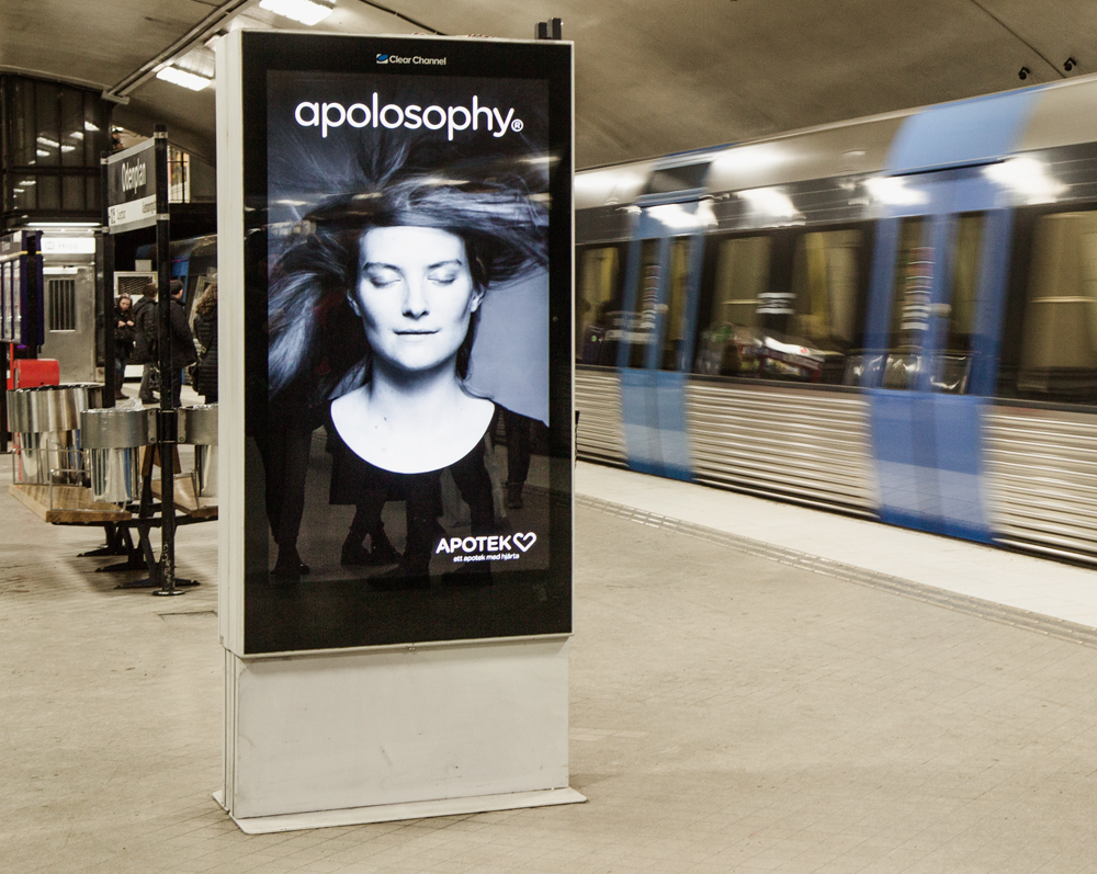 Digital subway ads for Apolosophy. Haircare models get flustered as trains arrive. Åkestam Holst / Stopp Family, Sweden, 2014