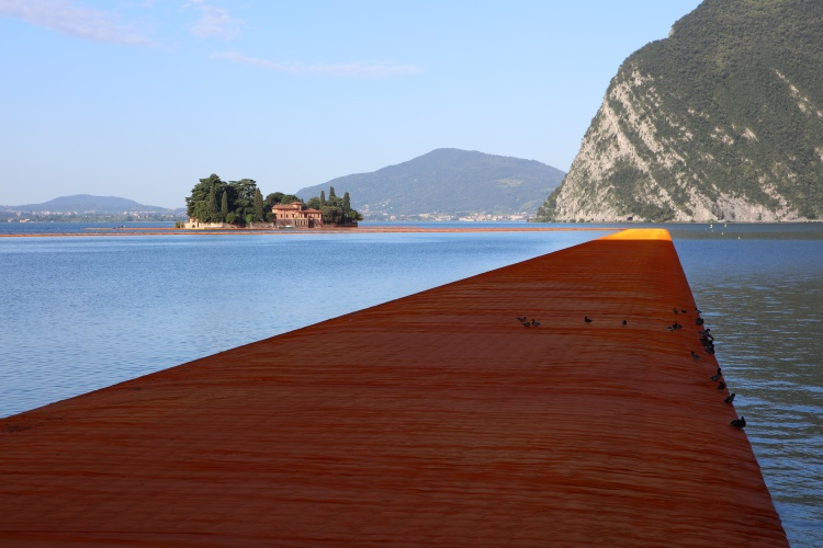 The Floating Piers - The Floating Piers, Lake Iseo, Italy, 2014-16 (2)
