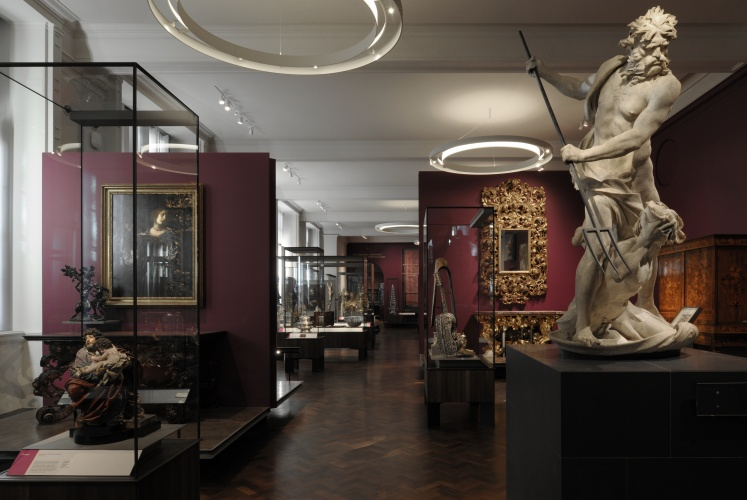 Installation view of Europe 1600-1815 Galleries_ZMMA_V&A_Dec_2015_DG_01