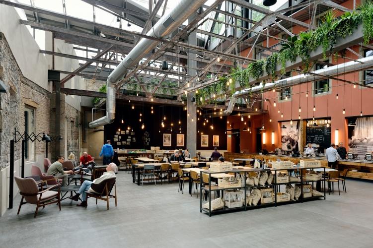 1 Nest_cafe Henri - old bakery_foto Mike Bink
