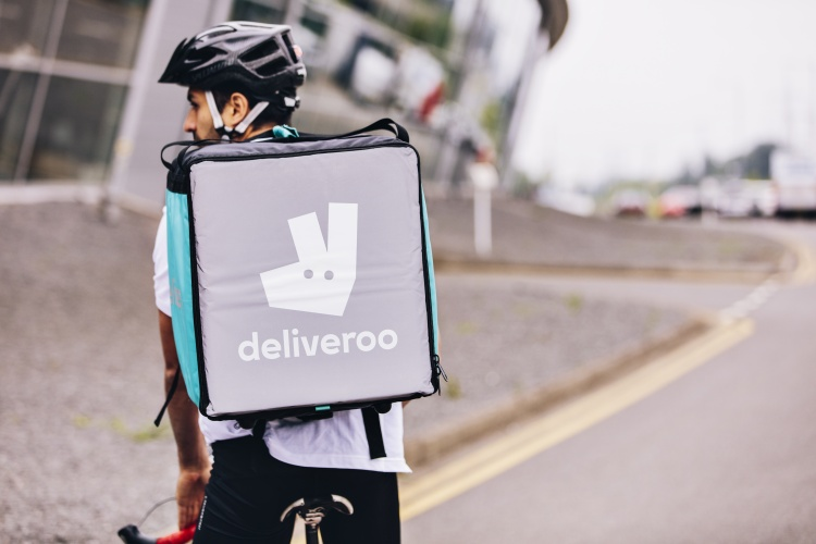 2016_Deliveroo_Kit_F6A8069_CalverFinal