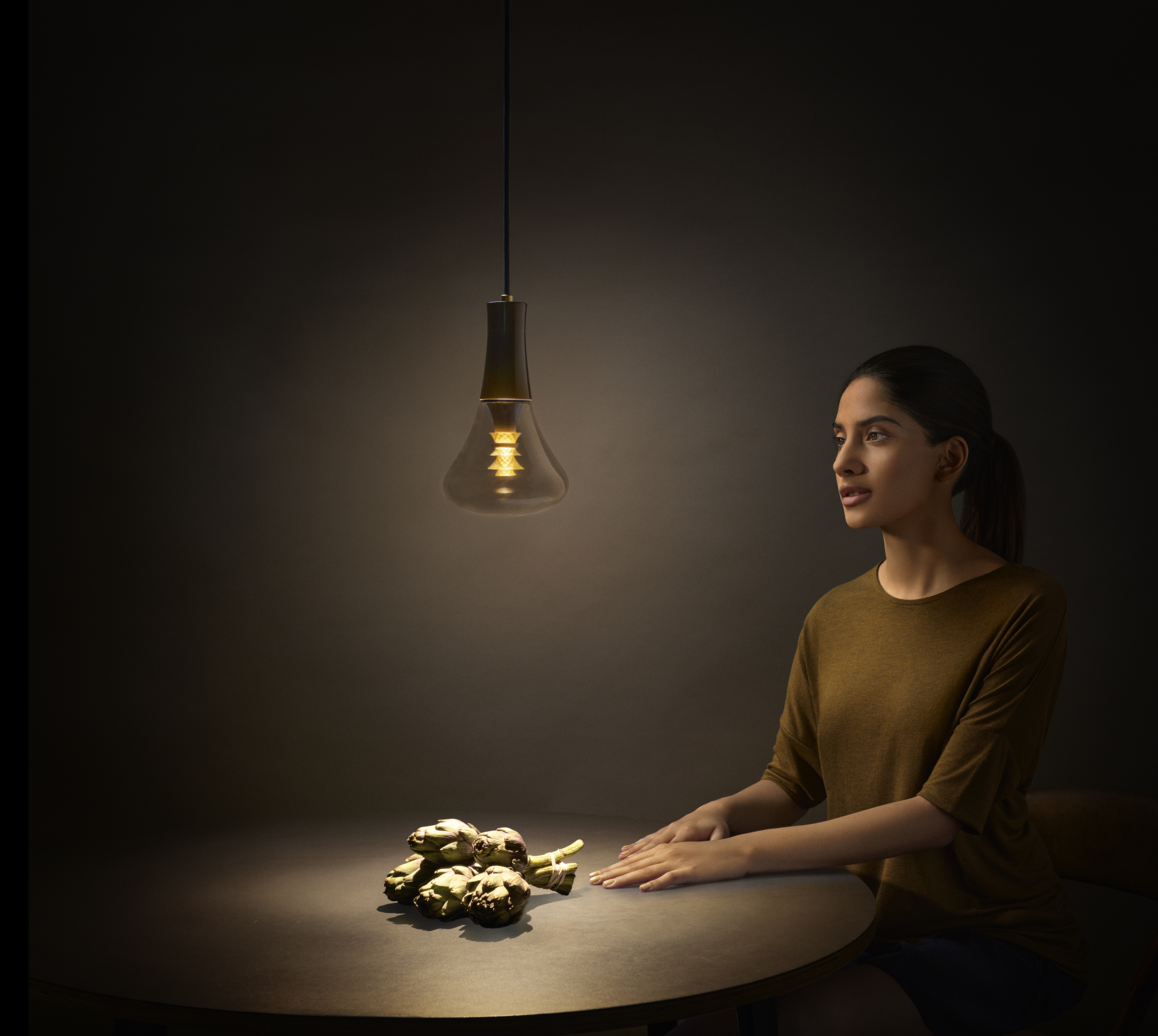 Plumen-003-designer-LED-bulb-warm-light