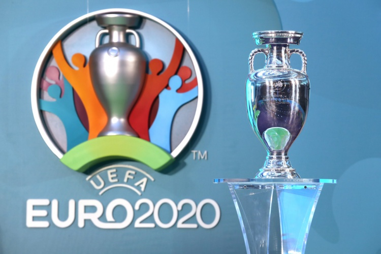 LONDON, ENGLAND - SEPTEMBER 21:  The Henri Delaunay Cup with the EURO 2020 logo during the UEFA EURO 2020 Launch Event at City Hall on September 21, 2016 in London, England.  (Photo by Christopher Lee - UEFA/UEFA via Getty Images)