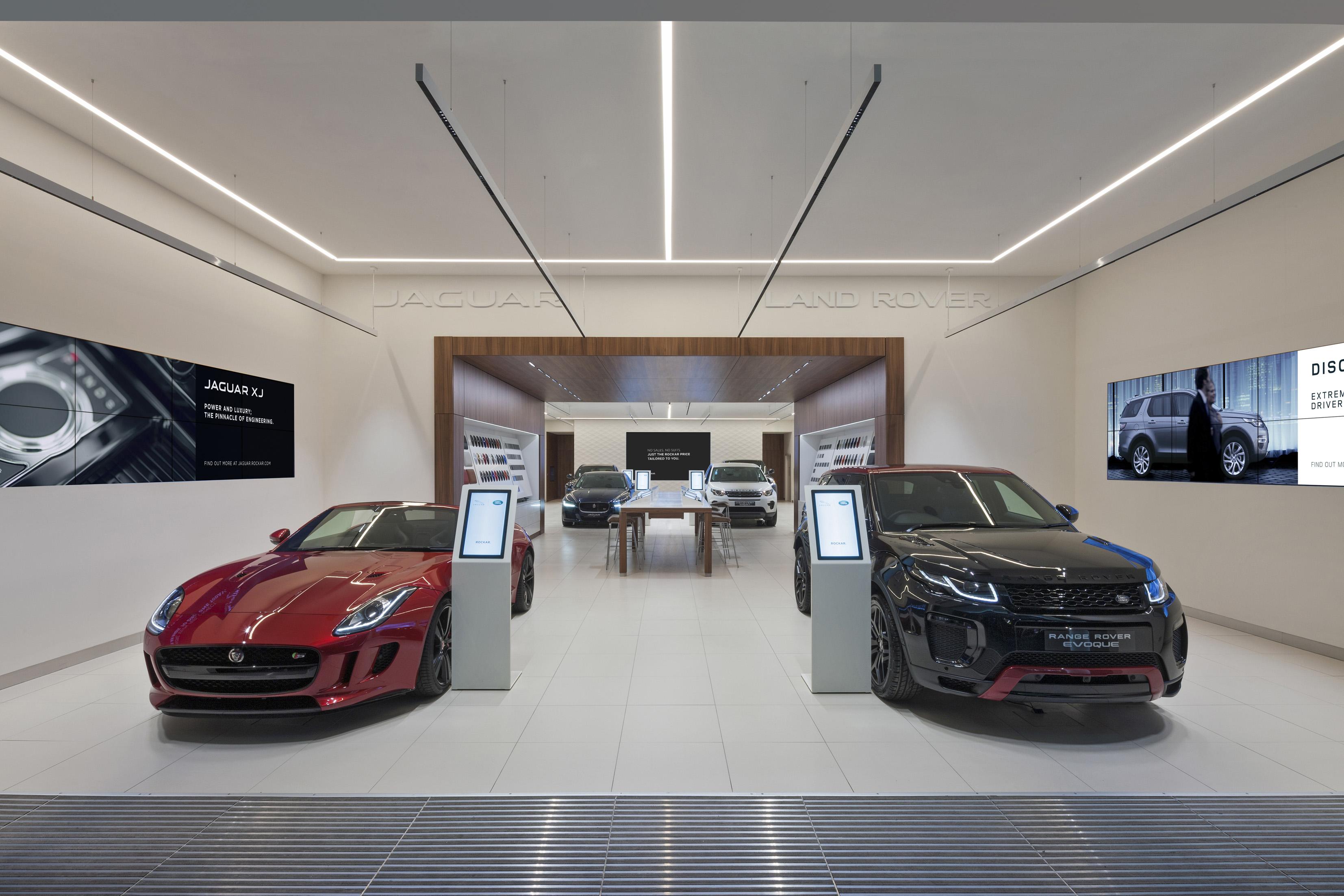 Jaguar Land Rover Launches Shopping Centre Retail Concept