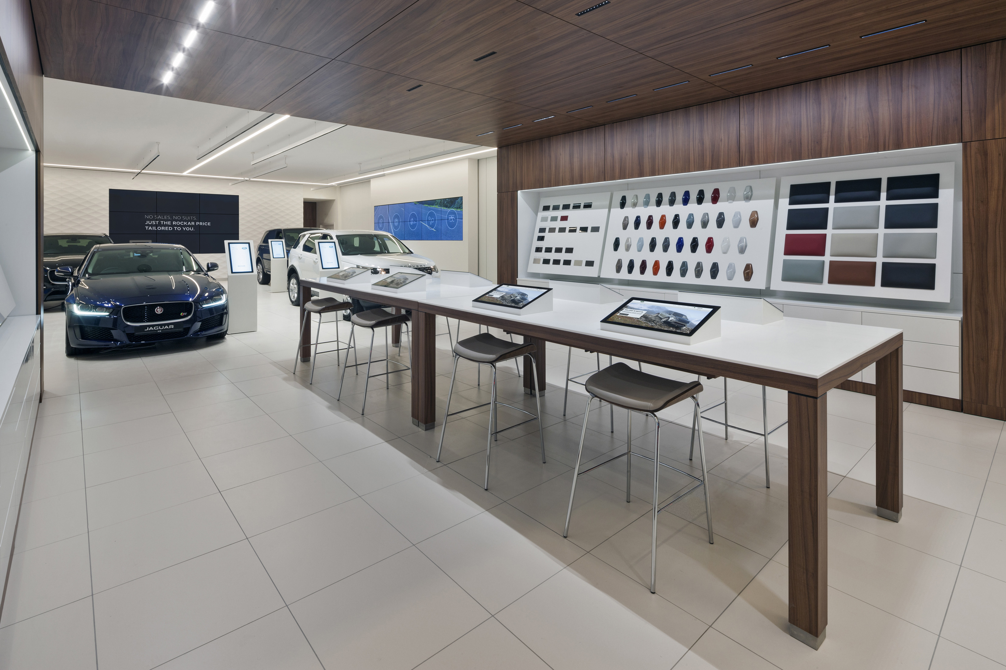 Showroom eines Autohauses
