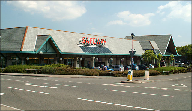 Safeway Brand Set To Return To The High Street Design Week