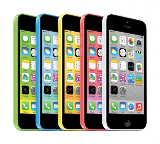 iphone5c_34fl-lineup_homescreen_pr-print