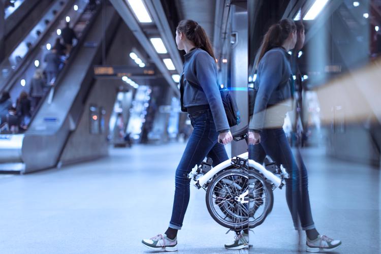 a6e0ee3de3d Brompton unveils first electric, folding bike with smartphone app ...