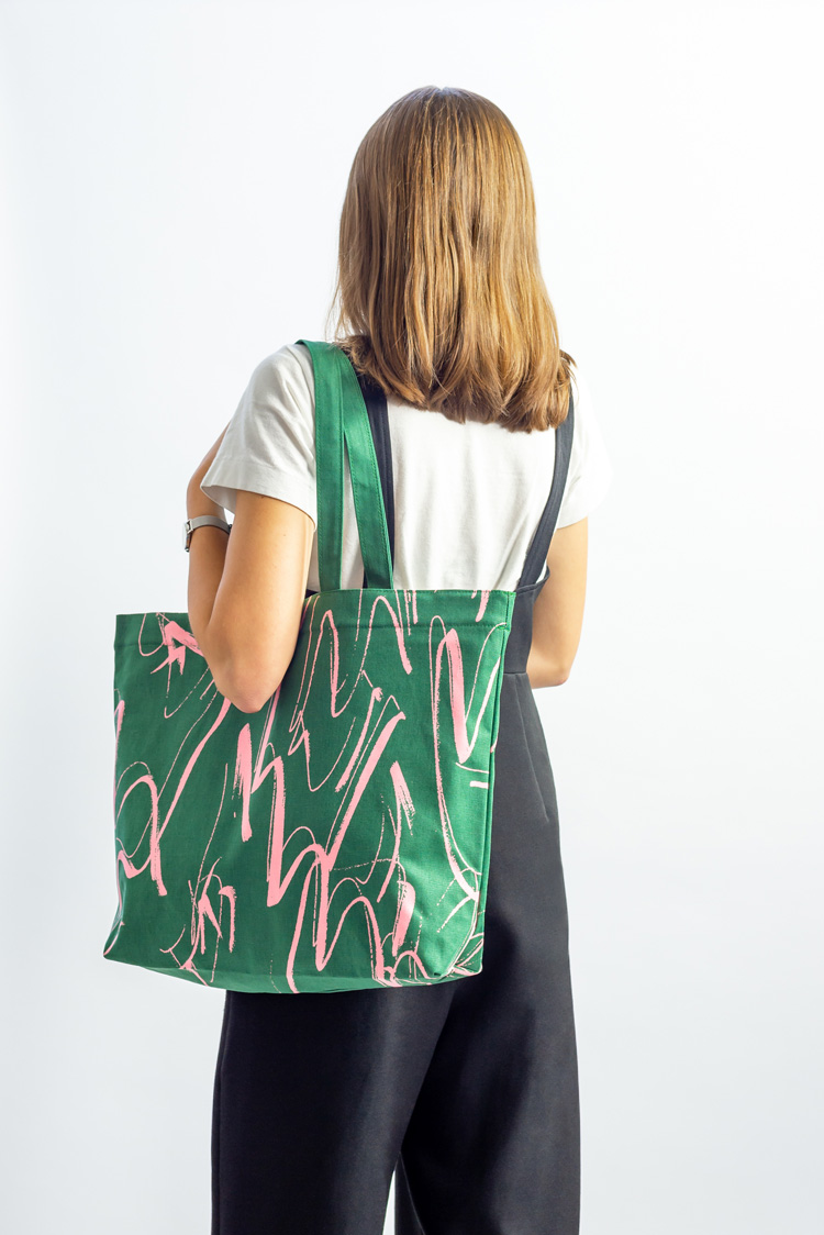 how to become bag designer without degree