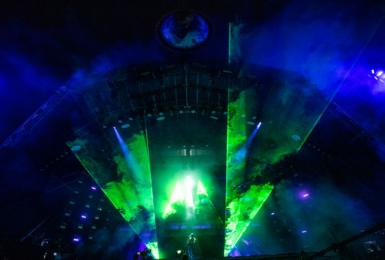 How To Become A Stage Show And Tv Lighting Designer