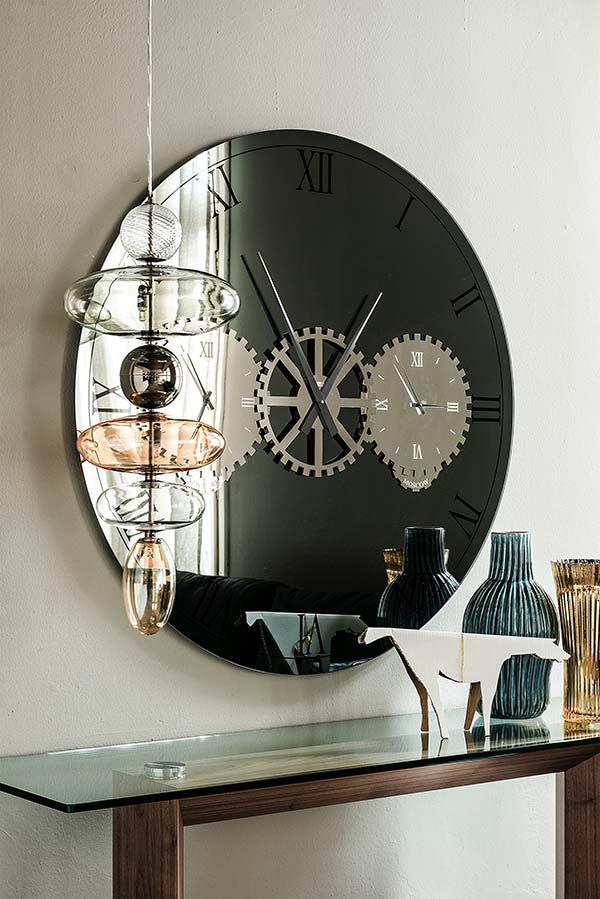 iq furniture Times Mirror