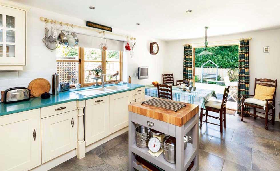 freestanding kitchen island in a self build kitchen