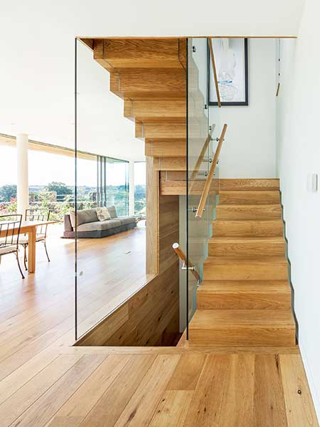Chunky timber staircase by Simon Maxwell