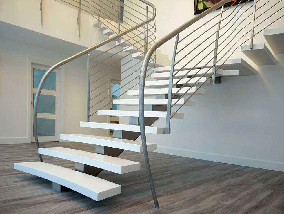 Wide staircase by Bisca