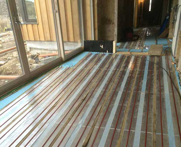 underfloor heating laid before screed