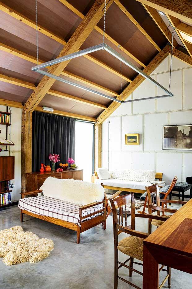 Homebuilding Renovating: Contemporary Barn-Style Self Build