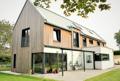 13 inspiring kit homes homebuilding renovating for Sip home packages