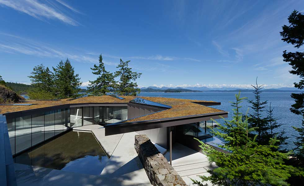 jagged roof of contemporary lakeside home