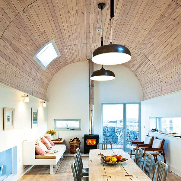 15 design ideas for vaulted ceilings homebuilding for Home plans with vaulted ceilings