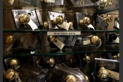 wmc display gold lock sets