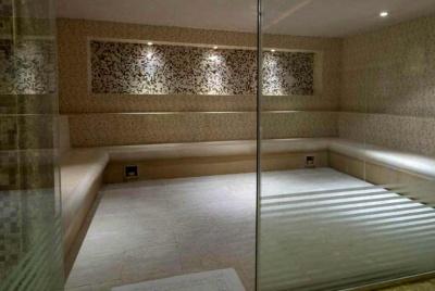 aqua steam rooms glass doors