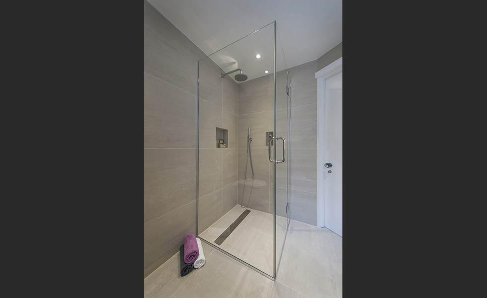 complete wet floor