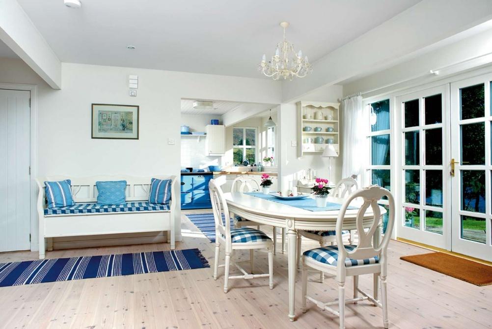 Scandi-style-kitchen-diner-in-self-build-home