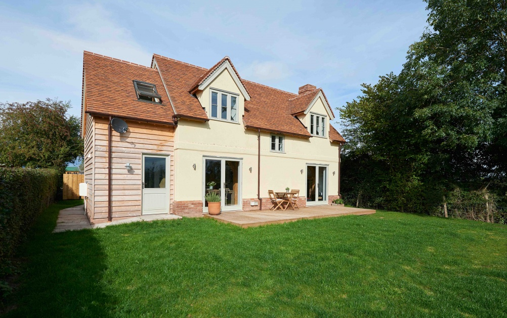oak-frame-home-built-for-£135,000-rear-exterior