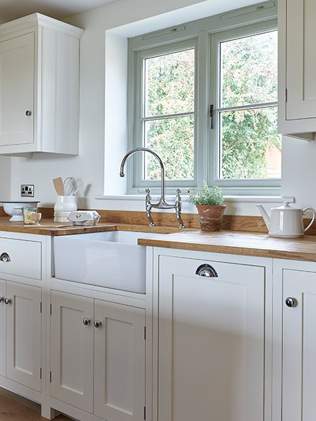 budget-oak-frame-kitchen-with-bulter-sink-and-bridge-tap