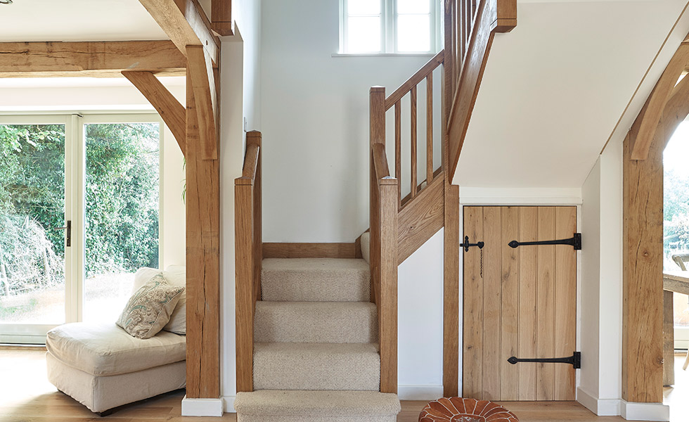 budget-oak-frame-with-bespoke-staircase