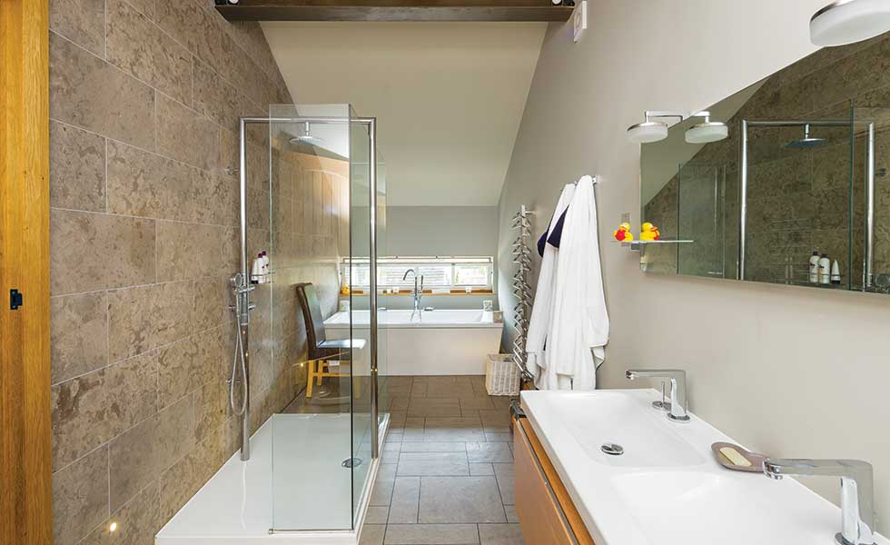 Cotswolds barn conversion homebuilding renovating for Barn conversion bathroom ideas