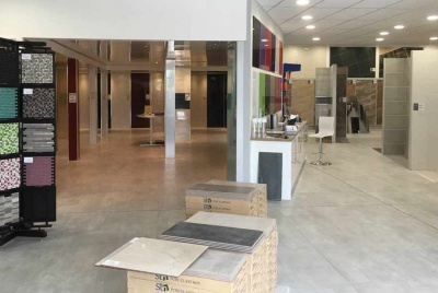 crocatile show room