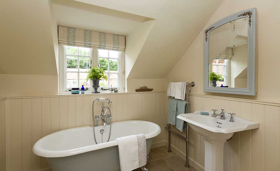 Upper storey bathroom
