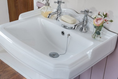 bathroom takeaway basin