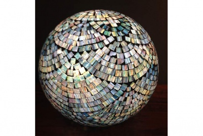 trading boundaries shell light globe