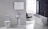 The Emme suite in Frontline Bathrooms' Aquaceramica Italia collection, complemented by the Pano freestanding bath.