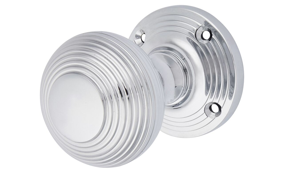 The Aglio door knob range is both stylish & durable, suitable for contemporary or traditional environments