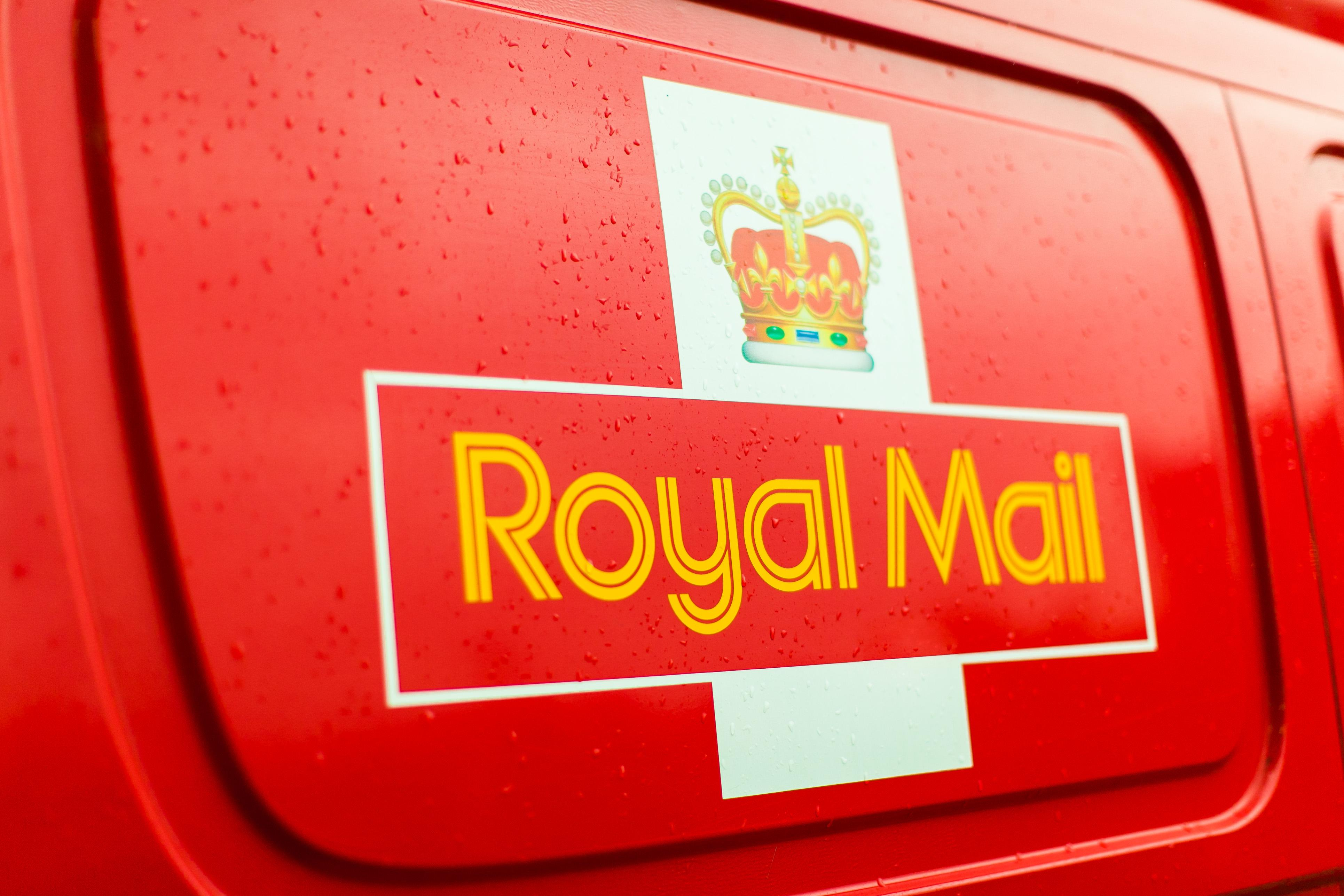 Royal mail relaunches training contract and offers posties families royal mail relaunches training contract and offers posties families junior legal roles lawyer 2b falaconquin