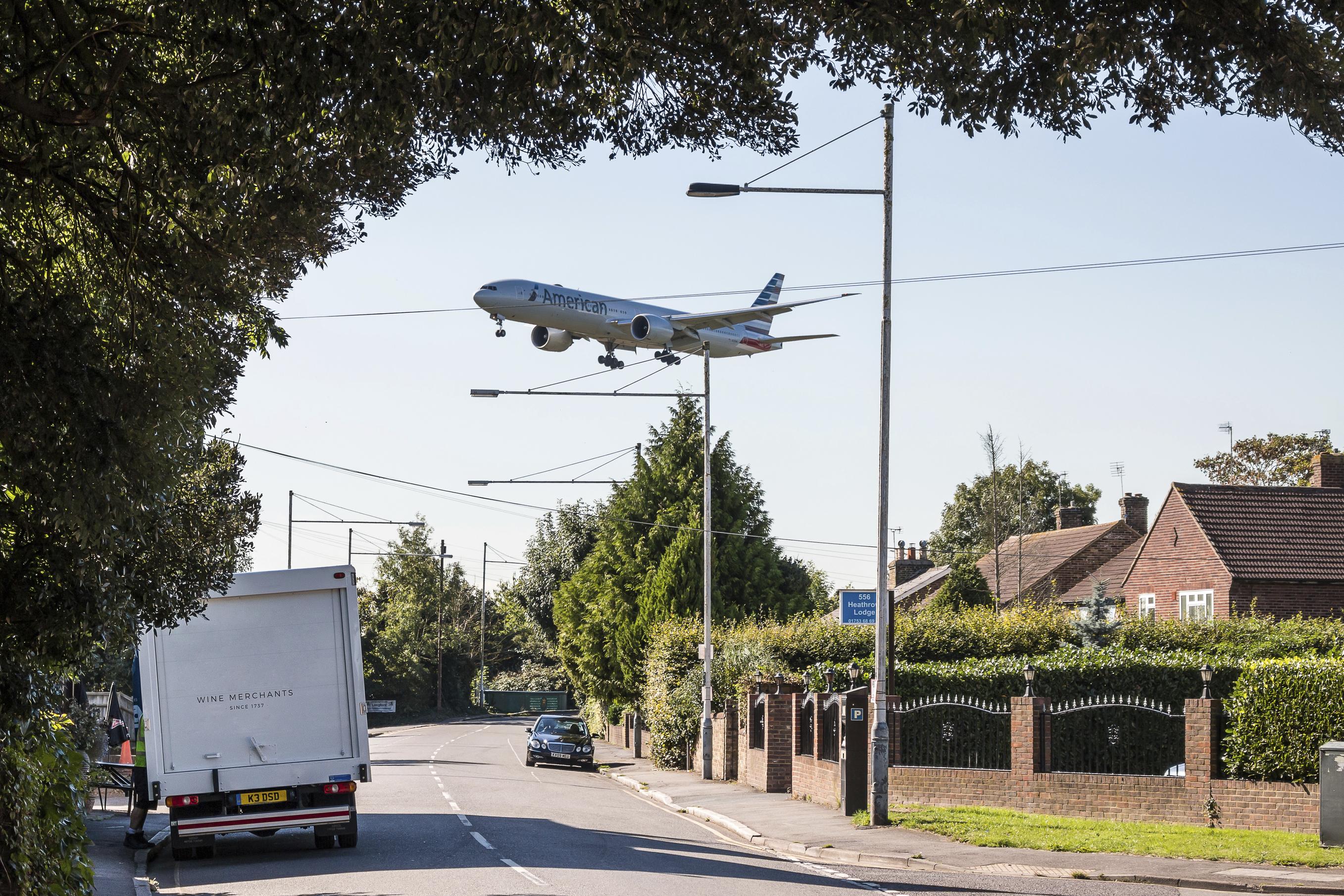 Heathrow, aeroplane, runway