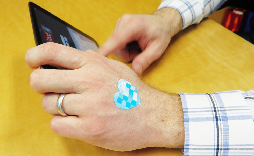 L'Oreal's wearable UV patch syncs with a mobile device