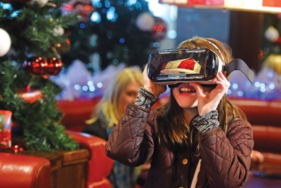 TGI-Fridays-Virtual-Reality-2016-1-small