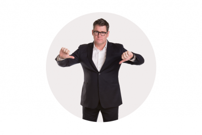 Mark_Ritson_two_thumbs_down_full_body