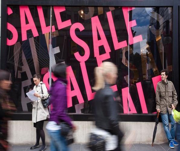 CRG470 Mid season sale on Oxford Street, London, United Kingdom.