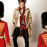 romeo-beckham-in-the-burberry-festive-campaign-shot-by-mario-testino_1240