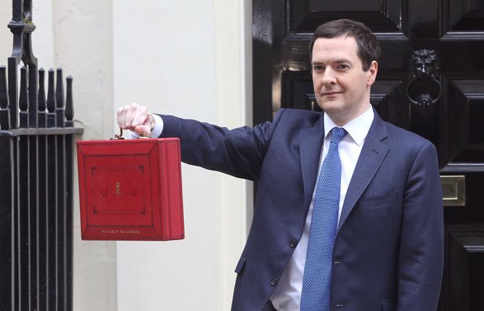 George-Osborne-extends-arm-with-Budget-box-700.jpg