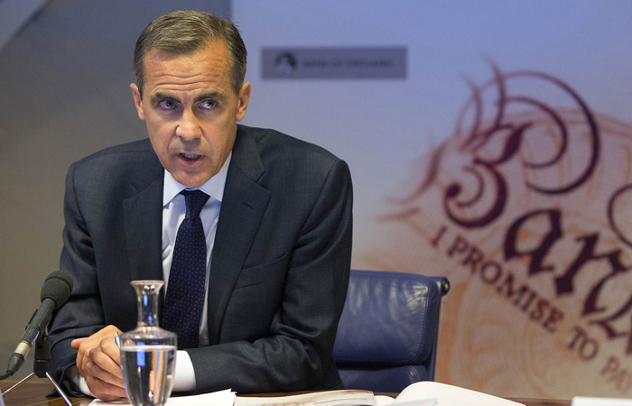 Mark-Carney-with-bank-note-in-background-700.jpg