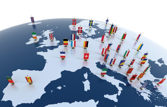 Europe-European-Flags-EU-700.jpg
